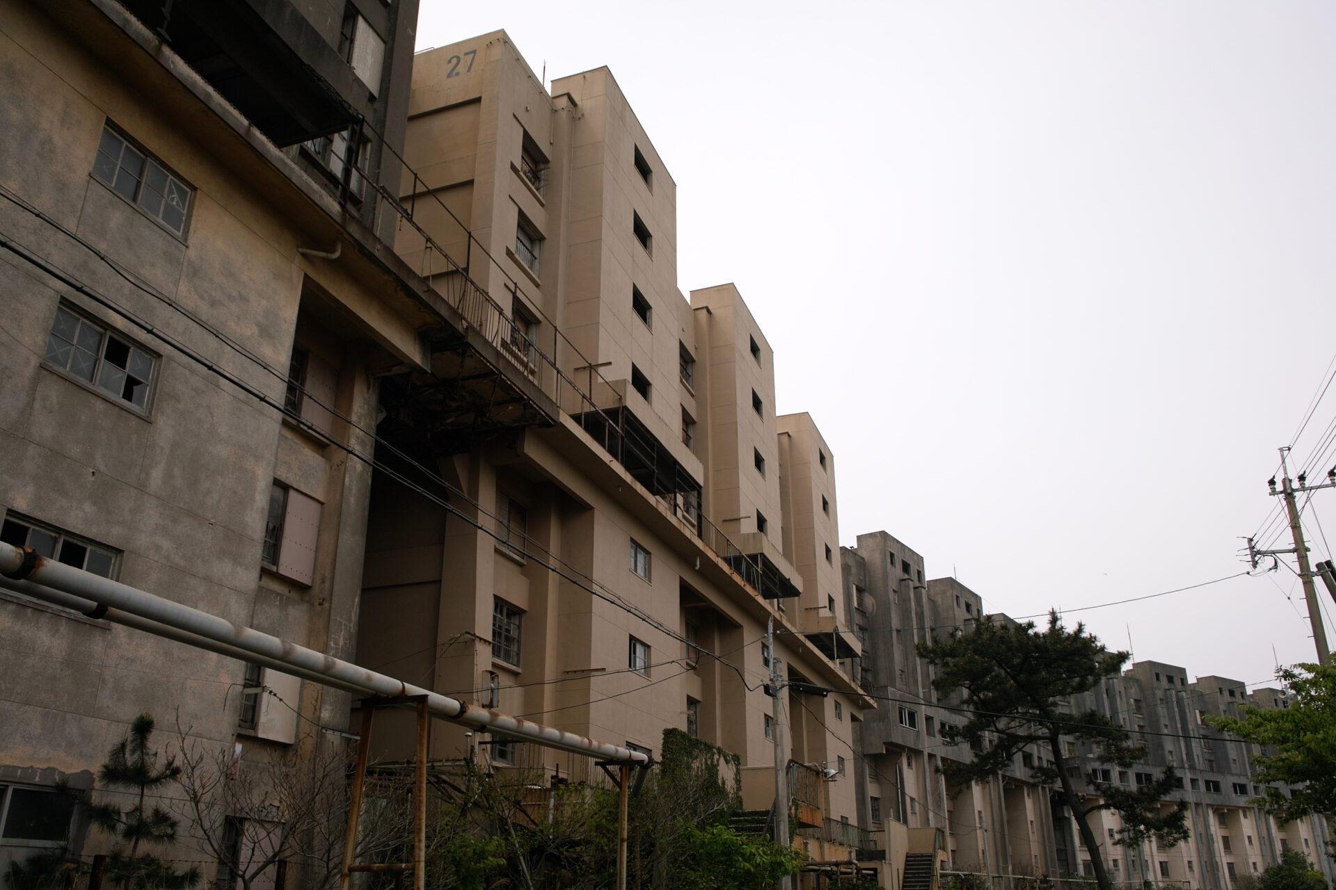 8階建の社宅群
